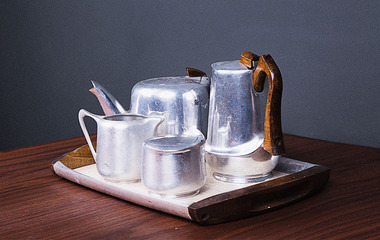 Antique tea set 01